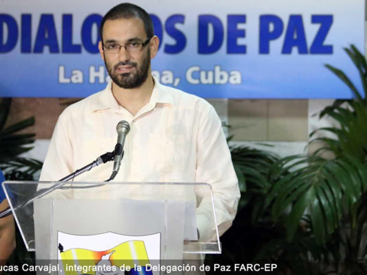 'Nossa atividade revolucionária seguirá - sem armas'