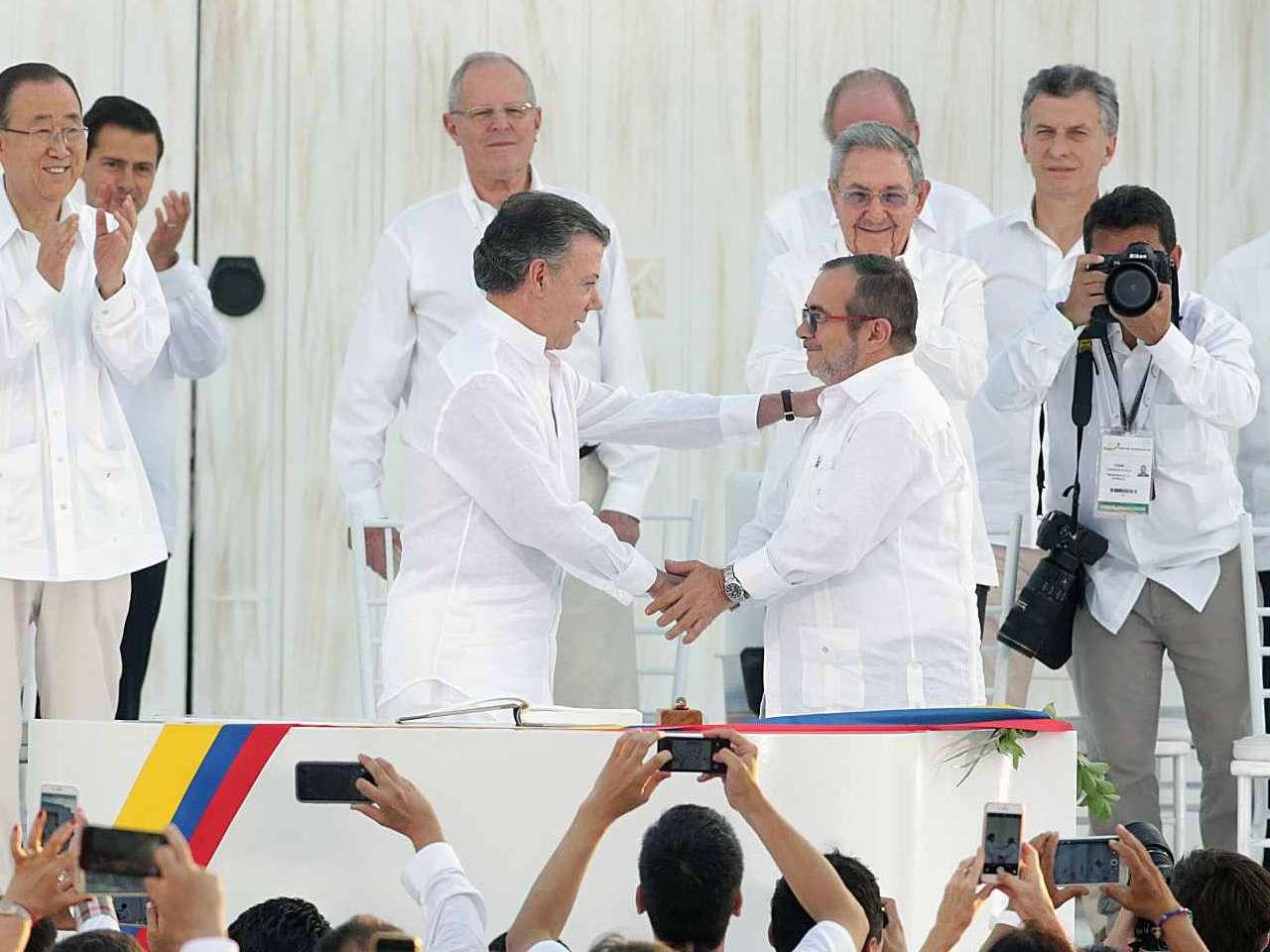 Quais os cenários possíveis após rejeição ao acordo de paz?